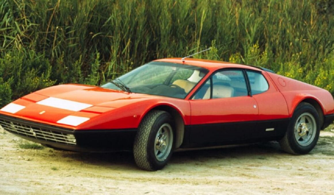 Ferrari 365 GT4 di Elton John all'asta