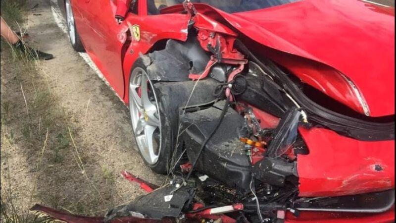 Ferrari: incidente per una F430 prima di un raduno di supercar