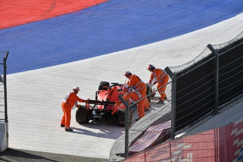 """Vettel: """"Ridateci i fot*uti V12!"""""""