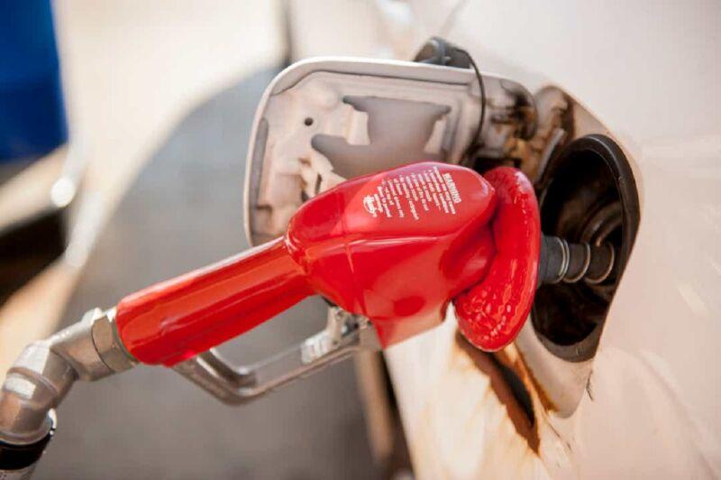 La California non comprerà più veicoli FCA e GM