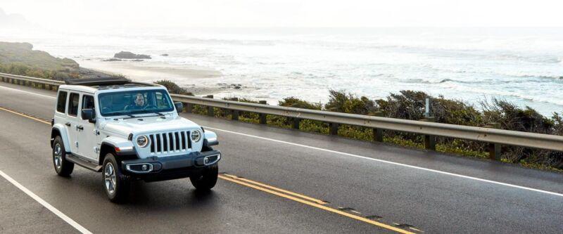Jeep Wrangler: ecco la versione Sahara Sky Freedom