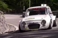 Fiat 850 con motore Kawasaki: la bestia da cronoscalata