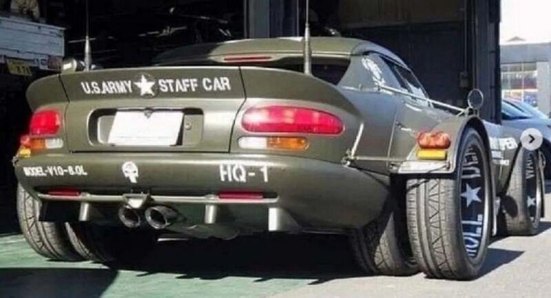 Dodge Viper con 4 ruote