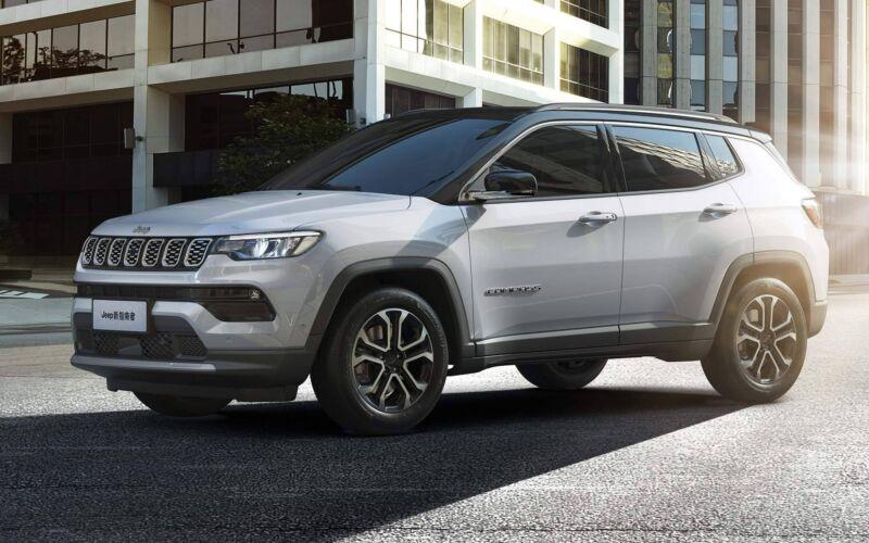 Jeep Compass 2022: avrà solo motori turbo e cambio automatico