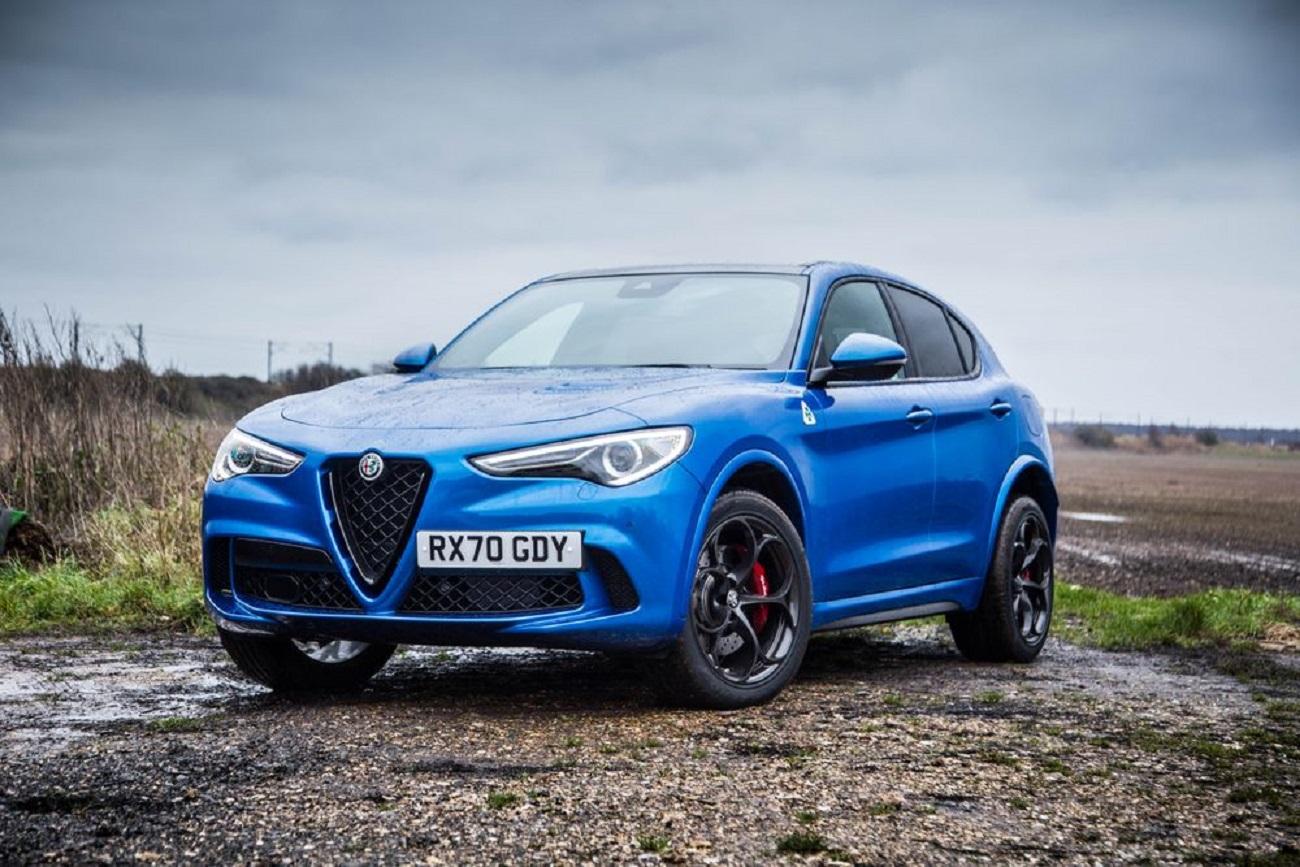 """Selettore di guida: ecco come """"DNA"""" di Alfa Romeo fa sembrare stupidi tutti gli altri sistemi"""