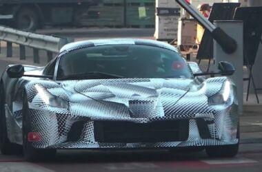 Ferrari: il muletto della next-gen ibrida gira in pista