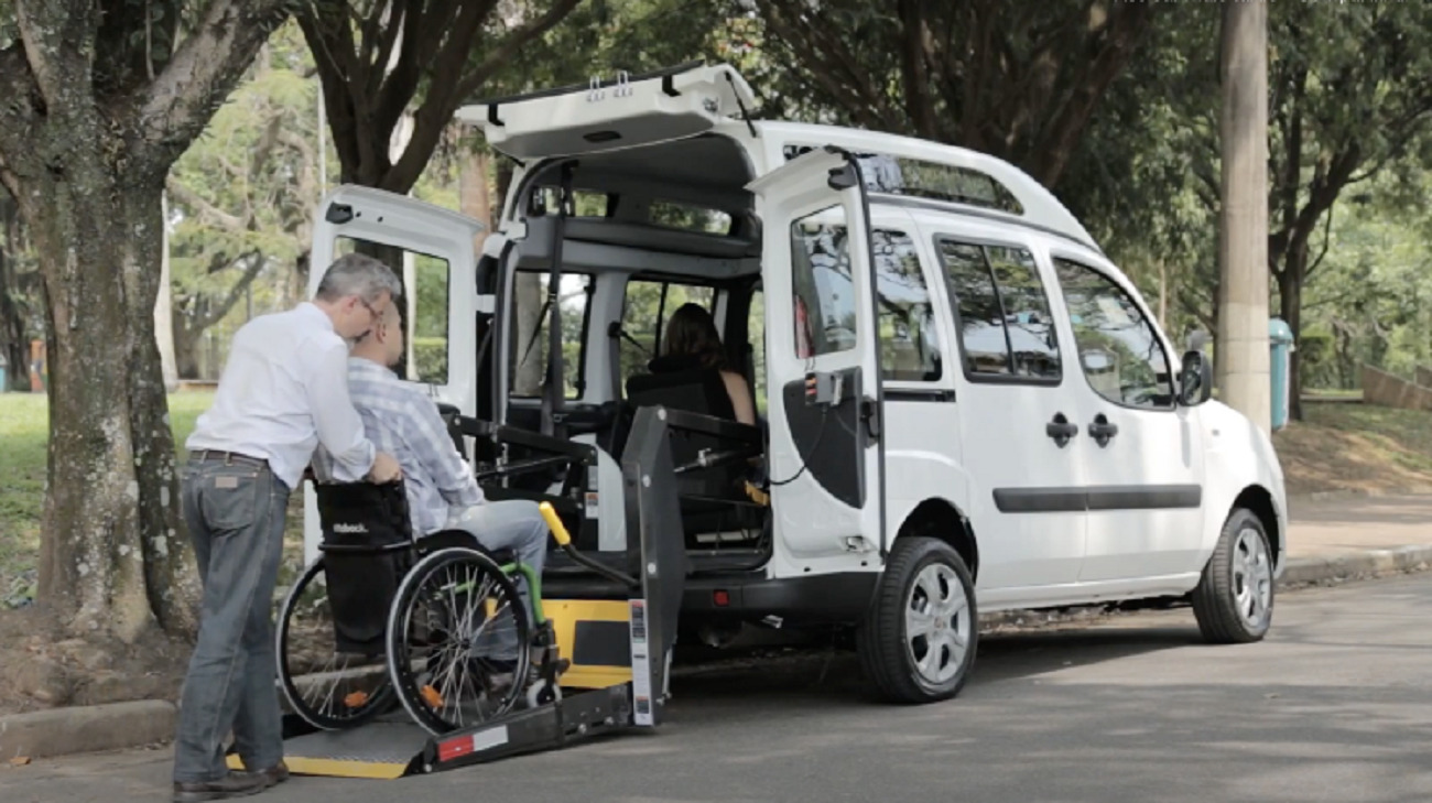 Fiat Doblò per il trasporto di persone con limitazioni di mobilità: parte la donazione