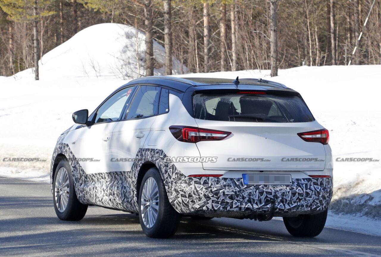 Nuova Opel GrandLand 1