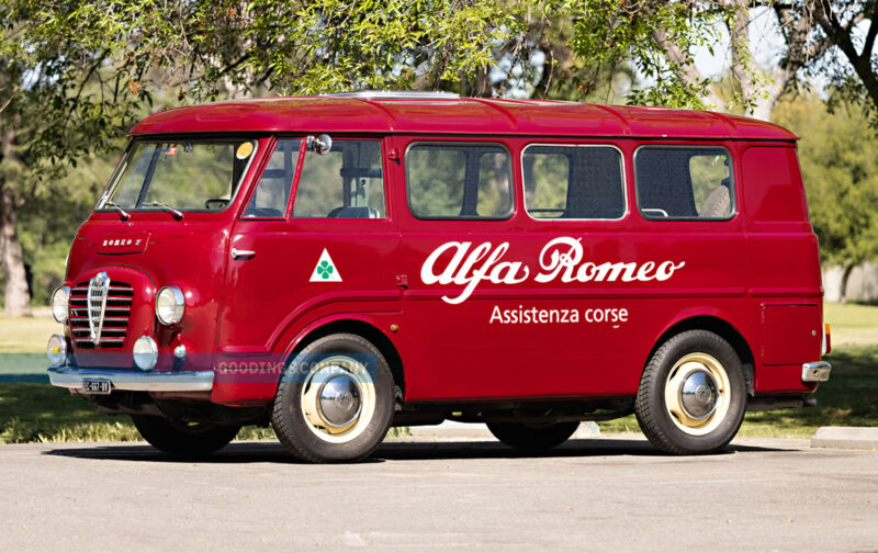 Alfa Romeo Autotutto: il minibus del 1961 prodotto dalla Casa del Biscione che forse non conoscevi