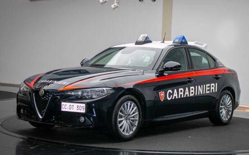 Alfa-Romeo-Giulia-Carabinieri-1