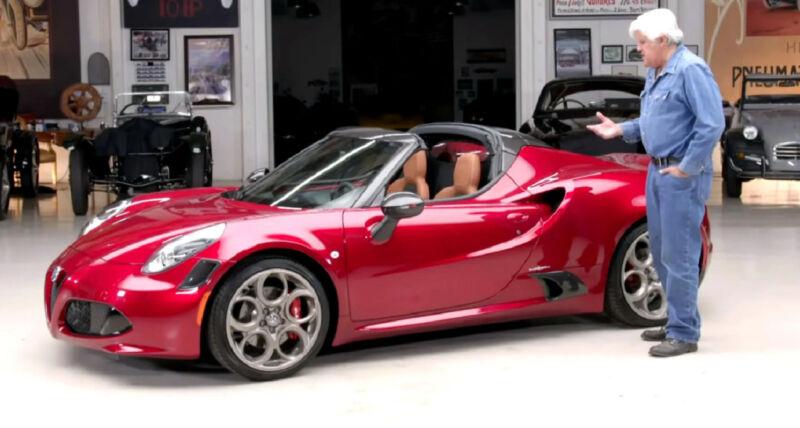 Jay Leno prova l'Alfa Romeo 4C Spider 33 Tributo